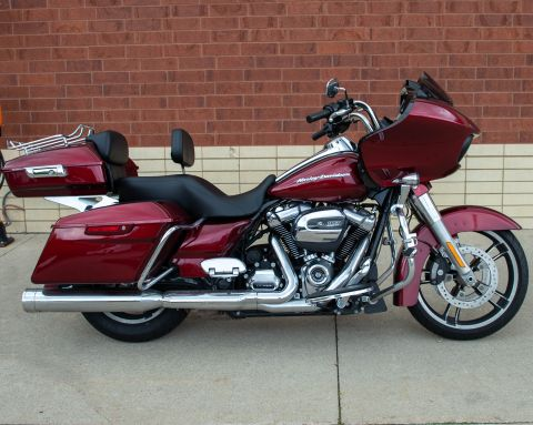 Pre-Owned 2017 Harley-Davidson Road Glide Special